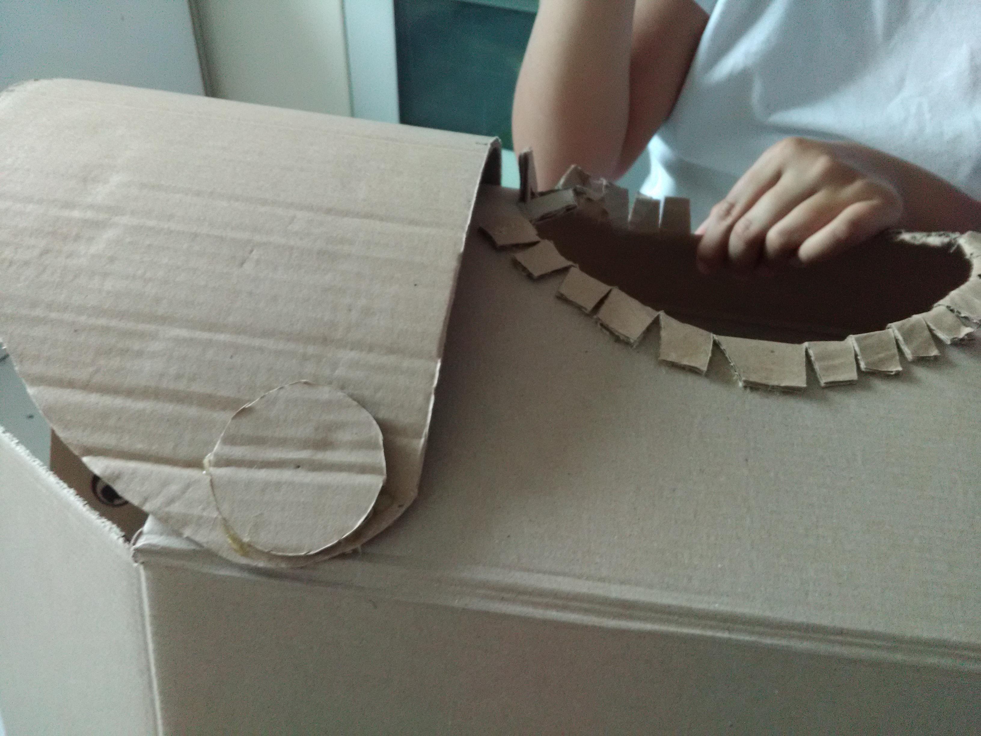 Partie 2 faire une armure en carton de chevalier teutonique pour un d guisement d 39 enfant - Fabriquer une cloche en carton ...